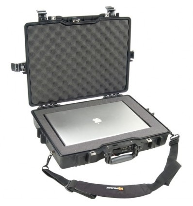 Pelican 1495 Case (Black with Foam)